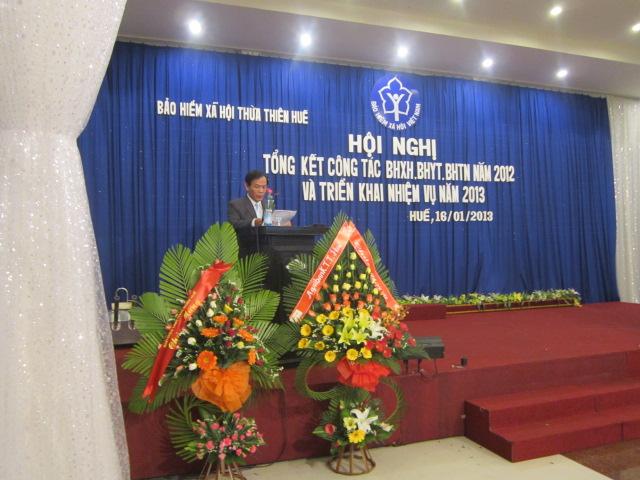 Ông Nguyễn Xuân Tiếu – Phó Giám đốc BHXH tỉnh trình bày báo cáo tổng kết